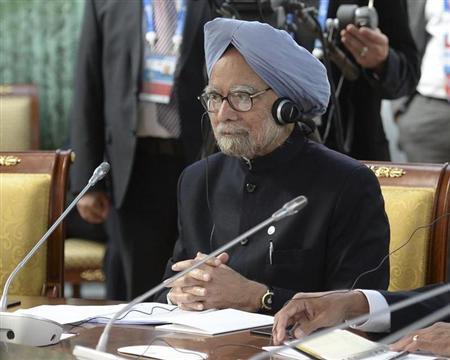 India's Prime Minister Manmohan Singh attends a BRICS leaders' meeting at the G20 Summit in Strelna near St. Petersburg, September 5, 2013. REUTERS/Alexander Vilf/RIA Novosti/Pool