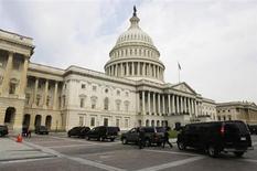 Le Capitole, le siège du Congrès américain. Les investisseurs ont une telle confiance dans la signature des Etats-Unis qu'ils minimisent généralement le risque de voir Washington incapable d'honorer ses engagements. Mais aujourd'hui, le blocage politique semble en mesure de conduire à l'inimaginable: un défaut sur des emprunts d'Etat américains. /Photo prise le 31 juillet 2013/REUTERS/Larry Downing