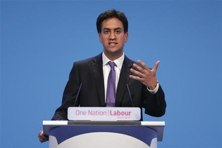 Britain's leader of the opposition Labour party Ed Miliband gestures during the Labour party's annual conference in Brighton, Southern England September 25, 2013. REUTERS/Stefan Wermuth