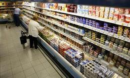 L'inflation annuelle a ralenti au rythme de 1,4% en septembre en Allemagne, contre 1,5% en août, suivant les données provisoires publiées par l'Office fédéral de la statistique, alors que les économistes interrogés par Reuters prévoyaient une stagnation. /Photo d'archives/REUTERS/Johannes Eisele