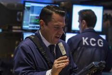 Traders work on the floor of the New York Stock Exchange, October 1, 2013. REUTERS/Brendan McDermid