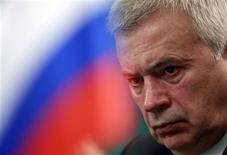 El presidente ejecutivo de Lukoil, Vagit Alekperov, en una conferencia de prensa en Moscú, nov 28 2012. Lukoil puso en venta su participación en un consorcio que está desarrollando un importante proyecto petrolero en Venezuela, dijo el miércoles el presidente ejecutivo del segundo mayor productor de crudo de Rusia. REUTERS/Sergei Karpukhin