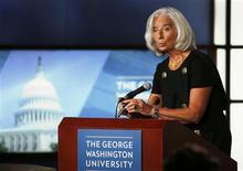 La jefe del Fondo Monetario Internacional (FMI), Christine Lagarde, en una charla en la Universidad George Washington en Washington, oct 3 2013. Si Estados Unidos no logra subir su límite de endeudamiento podría dañar no sólo a su economía, sino al resto de la actividad global, dijo el jueves la jefe del Fondo Monetario Internacional (FMI), Christine Lagarde. REUTERS/Larry Downing