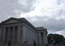 El edificio del Departamento del Tesoro en Washington, sep 29 2008. Nadie sabe exactamente cuándo Estados Unidos incumpliría su deuda si el Congreso no logra un acuerdo para elevar el límite de endeudamiento gubernamental. Pero una mirada al pasado reciente ofrece un panorama bastante claro sobre cómo podría desatarse una cesación de pagos. REUTERS/Jim Bourg
