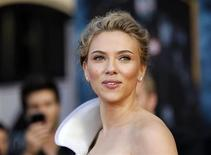 "Cast member Scarlett Johansson poses at the premiere of the movie ""Iron Man 2"" at El Capitan theatre in Hollywood, California April 26, 2010. REUTERS/Mario Anzuoni"