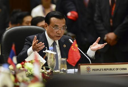 China's Premier Li Keqiang delivers his opening speech at the 16th ASEAN-China Summit in Bandar Seri Begawan, October 9, 2013. REUTERS/Ahim Rani