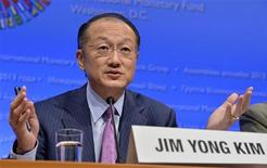 World Bank President Jim Yong Kim makes remarks at a news conference during the IMF and World Bank's 2013 Annual Fall Meetings, a gathering of the world's finance ministers and bank governors, in Washington October 10, 2013. REUTERS/Mike Theiler