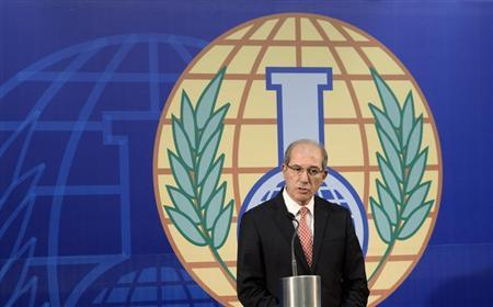 Organisation for the Prohibition of Chemical Weapons (OPCW) Director General Ahmet Uzumcu speaks during a news conference in The Hague, October 9, 2013. REUTERS/Toussaint Kluiters/United Photos