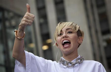 Singer Miley Cyrus performs on NBC's 'Today' show in New York, October 7, 2013. REUTERS/Carlo Allegri