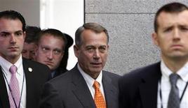 El presidente de la Cámara de Representantes de Estados Unidos, John Boehner, arriba a una reunión clave con legisladores del Partido Republicano en el Capitolio. Octubre 16, 2013. REUTERS/Jonathan Ernst.