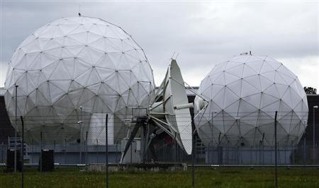 A satellite dish is seen in the former monitoring base of the National Security Agency (NSA) in Bad Aibling, south of Munich, August 13, 2013. REUTERS/Michael Dalder