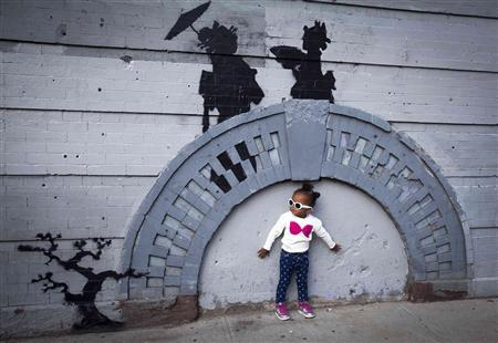 Buy it or hate it, New Yorkers flock to Banksy's art - Reuters