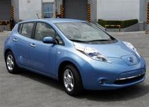 A Nissan Leaf electric car is presented to the media at the Nissan plant on the outskirts of Toluca near Mexico City June 24, 2011. REUTERS/Carlos Jasso