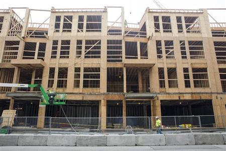 Apartments are seen under construction in the booming Over-the-Rhine neighborhood in Cincinnati, Ohio July 2, 2013. REUTERS/Aaron P. Bernstein