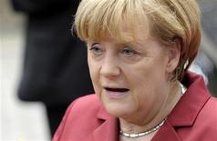 La canciller alemana, Angela Merkel, a su llegada a la cumbre de líderes de la Unión Europea en Bruselas, oct 24 2013. Las acusaciones de Alemania y Francia de que Estados Unidos ha efectuado operaciones de espionaje en sus países, incluida una posible interceptación del teléfono celular de la canciller Angela Merkel, posiblemente dominarán el encuentro de líderes de la Unión Europea (UE) que comienza el jueves. REUTERS/Laurent Dubrule