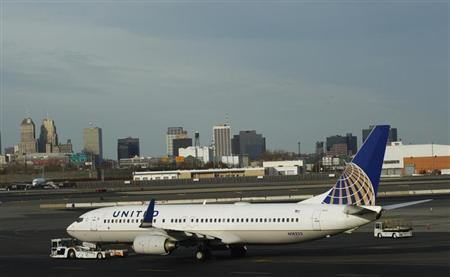 A Boeing 737 plane from United is seen on platform at Newark Liberty airport in Newark, New Jersey November 15, 2012. REUTERS/Eduardo Munoz