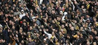 Botev Plovdiv's supporters react during their team's Bulgarian championship soccer match against Levski Sofia in Plovdiv March 14, 2009. REUTERS/Stoyan Nenov