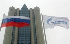Центральный офис Газпрома в Москве 1 января 2006 года. Газпром говорит, что до сих пор не получил от украинского Нафтогаза деньги за поставленный в августе газ. REUTERS/Sergei Karpukhin