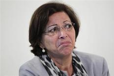 """Ministra das Relações Institucionais, Ideli Salvatti, durante coletiva de imprensa no Palácio do Planalto, em Brasília. O governo deve passar a semana discutindo o relatório do novo marco regulatório para o setor da mineração para que ele seja votado na comissão que analisa a matéria """"muito provavelmente"""" na próxima semana, afirmou Ideli nesta terça-feira. July 3, 2012. REUTERS/Ueslei Marcelino (BRAZIL - Tags: POLITICS HEADSHOT) - RTR34JIX"""
