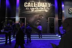 """Le dernier opus de la saga de jeux vidéo """"Call of Duty"""" d'Activision Blizzard a généré plus d'un milliard de dollars (740 millions d'euros) de chiffre d'affaires en terme de placement chez les détaillants pour sa première journée de commercialisation. /Photo d'archives/REUTERS/David McNew"""