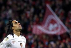 AS Monaco's Radamel Falcao reacts at the end of his match against Lille during his French Ligue 1 soccer match at the Pierre Mauroy Stadium in Villeneuve d'Ascq November 3, 2013. REUTERS/Pascal Rossignol