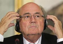 FIFA President Sepp Blatter speaks during a news conference in Doha November 9, 2013. REUTERS/Fadi Al-Assaad