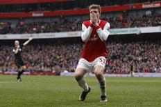 Arsenal's Niklas Bendtner reacts during their English Premier League soccer match against Sunderland at Emirates Stadium in London March 5, 2011. REUTERS/Stefan Wermuth