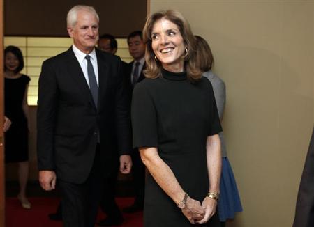 11月12日、米国の新しい駐日大使になるキャロライン・ケネディ氏、ワシントンの日本大使公邸で開かれた就任レセプションに出席(2013年 ロイター/Yuri Gripas)