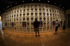 Patrons visit the Country Music Hall of Fame in downtown Nashville, Tennessee June 19, 2013. REUTERS/Harrison McClary