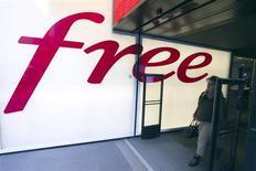 Iliad (-5,13%) accuse la plus forte baisse du SBF 120, à 13h30. Le groupe a annoncé une hausse marquée de ses revenus au troisième trimestre mais sans surprendre le marché en battant le consensus. De plus, la dynamique des abonnements dans la téléphonie mobile de sa filiale Free a marqué le pas. A la même heure, le CAC 40 avance de 0,19% à 4.292,15 points. /Photo d'archives/REUTERS/Charles Platiau