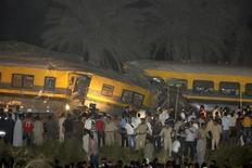 صورة ارشيفية لموقع حادث قطار في منطقة العياط جنوبي القاهرة يوم 24 اكتوبر تشرين الاول 2009 - رويترز