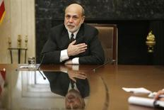 U.S. Federal Reserve Chairman Ben Bernanke thanks participants at the end of a town hall event with teachers at the Federal Reserve board's building in Washington November 13, 2013. REUTERS/Jonathan Ernst