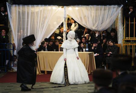 Israeli couples say 'I don't' to Orthodox Jewish weddings