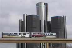 Le Trésor des Etats-Unis a annoncé jeudi qu'il avait bouclé la vente de 70,2 millions d'actions General Motors et qu'il comptait céder d'ici la fin de l'année les 31,1 millions de titres qui lui restent, si la situation du marché le permet. /Photo prise 11 janvier 2013/REUTERS/Rebecca Cook
