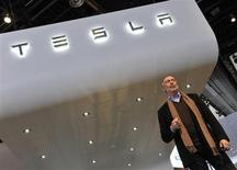 George Blankenship, Vice President Sales and Ownership for Tesla, speaks at the North American International Auto Show in Detroit, Michigan January 15, 2013. REUTERS/James Fassinger