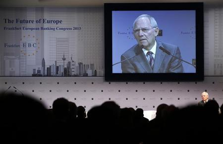 Germany's Finance Minister Wolfgang Schaeuble delivers his speech at the European Banking Congress at the old opera house in Frankfurt, November 22, 2013. REUTERS/Kai Pfaffenbach