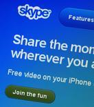 Imagen del sitio de Skype visto en un ordenador en Lausanne, Suiza, mayo 10 2011. Microsoft Corp. ha hecho más difícil el seguimiento de las llamadas y conversaciones de su servicio de telefonía Skype en China, dijo un grupo que defiende la libertad de expresión, en momentos en que el Gobierno chino aumenta su control sobre internet. REUTERS/Denis Balibouse
