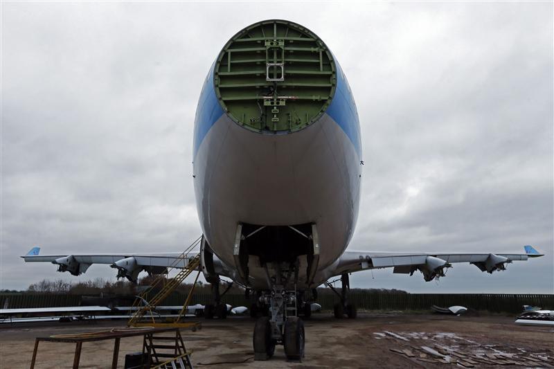 Insight: Iran sanctions deal sparks hunt for vintage plane