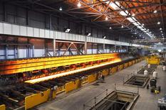 ArcelorMittal a confirmé l'acquisition de l'aciérie américaine de l'allemand ThyssenKrupp, située à Calvert dans l'Alabama, en association avec le japonais Nippon Steel & Sumitomo Metal pour 1,55 milliard de dollars (1,1 milliard d'euros). Arcelor et Nippon Steel en acquièrent 100% via une filiale commune à 50-50 /Photo d'archives/REUTERS/ThyssenKrupp