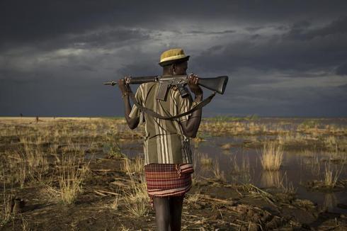 Fishermen and firearms on Lake Turkana