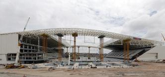 Arena Corinthians, estádio que está sendo construído em São Paulo para receber o jogo de abertura da Copa do Mundo de 2014. 02/12/2013 REUTERS/Paulo Whitaker