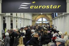 A la gare Saint-Pancras de Londres. L'Etat britannique souhaite sortir d'ici 2020 du capital d'Eurostar, le train à grande vitesse reliant la Grande-Bretagne à l'Europe continentale. /Photo d'archives/REUTERS/Paul Hackett