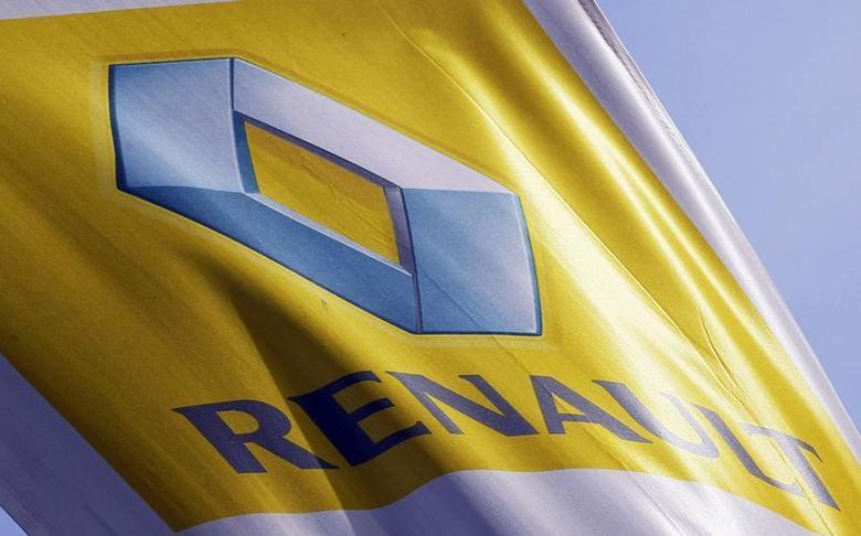 The Renault automaker company logo is displayed outside a car dealership in Bordeaux, Southwestern France, March 1,2013. REUTERS/Regis Duvignau