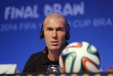 O ex-jogador francês Zinedine Zidane concede entrevista nesta quinta-feira. REUTERS/Sergio Moraes