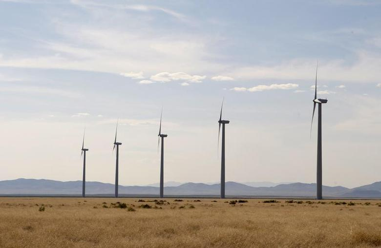 Wind turbines operate at a wind farm near Milford, Utah May 21, 2012. REUTERS/George Frey