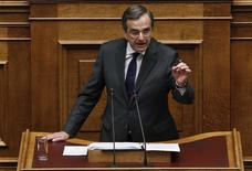 Greece's Prime Minister Antonis Samaras delivers a speech during a parliament session where lawmakers vote on the 2014 budget in Athens December 7, 2013. REUTERS/Yorgos Karahalis