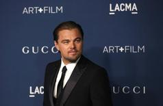 Actor Leonardo DiCaprio poses at the Los Angeles County Museum of Art (LACMA) 2013 Art+Film Gala in Los Angeles, California November 2, 2013. REUTERS/Mario Anzuoni