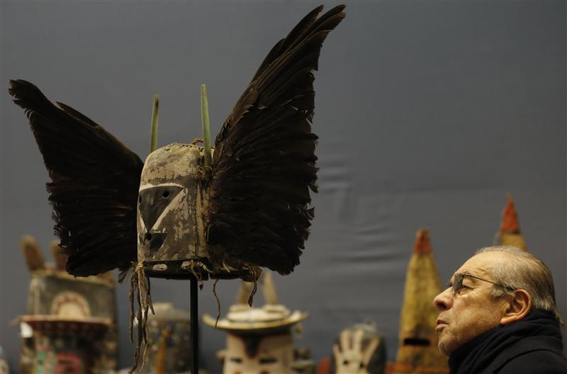 Hopi Indian sacred objects sold in Paris auction despite protests