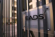 Le groupe EADS, qui prendra l'an prochain le nom d'Airbus Group, entend maintenir une politique de dividende ambitieuse, avec un ratio de l'ordre de 30% à 40% des bénéfices versés aux actionnaires. /Photo prise le 9 décembre 2013/REUTERS/Philippe Wojazer
