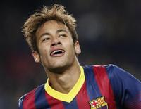 O atacante Neymar comemora gol do Barcelona contra o Celtic nesta quarta-feira. REUTERS/Gustau Nacarino